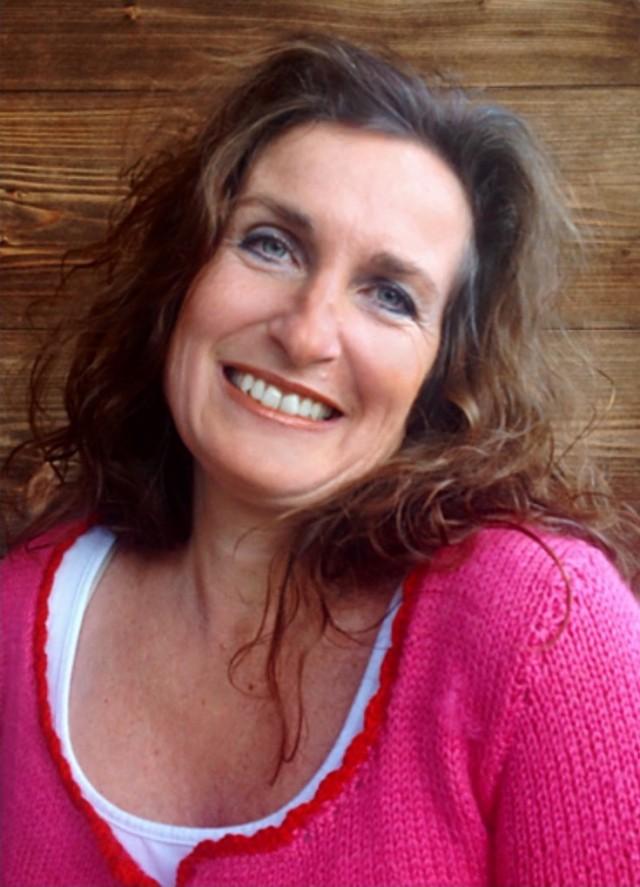 Annette Kux